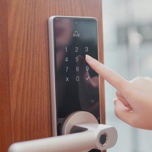 Từ A-Z kinh nghiệm chọn khóa thông minh, khóa điện tử cho gia đình (1)