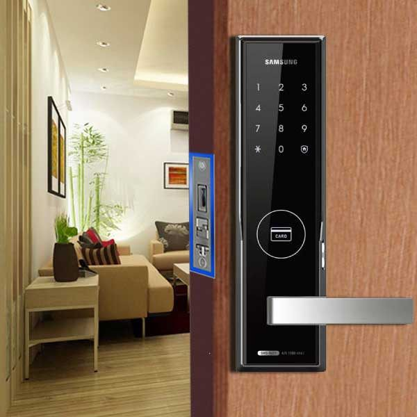 Những tính năng, ưu nhược điểm của khóa cửa điện từ Homestay 2