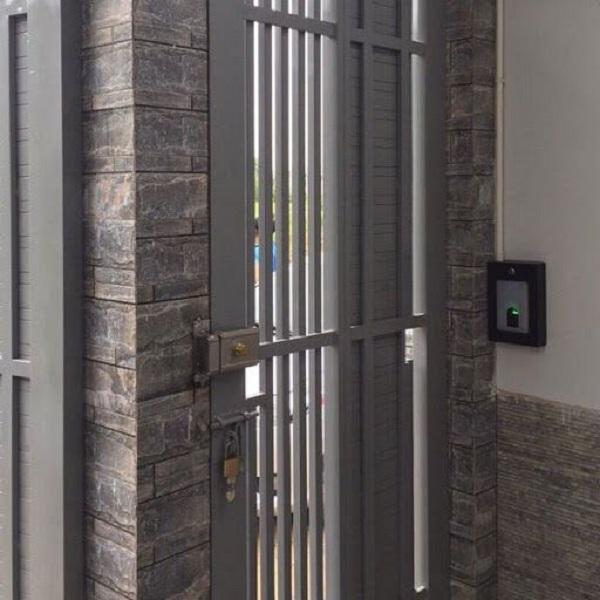 Có cần thiết lắp khóa cửa vân tay cho nhà trọ hay không? (1)
