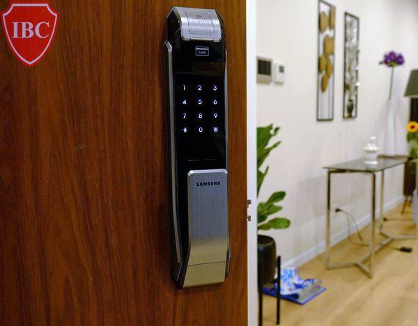 Khóa cửa cảm ứng bằng vân tay có ưu điểm gì? Khóa nào tốt nhất?4