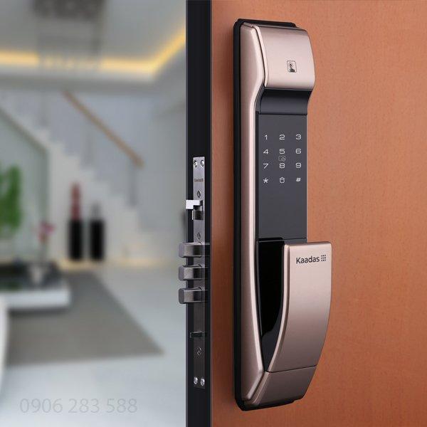 Các mẫu khóa cửa thông minh phong cách hiện đại nhất hiện nay 3